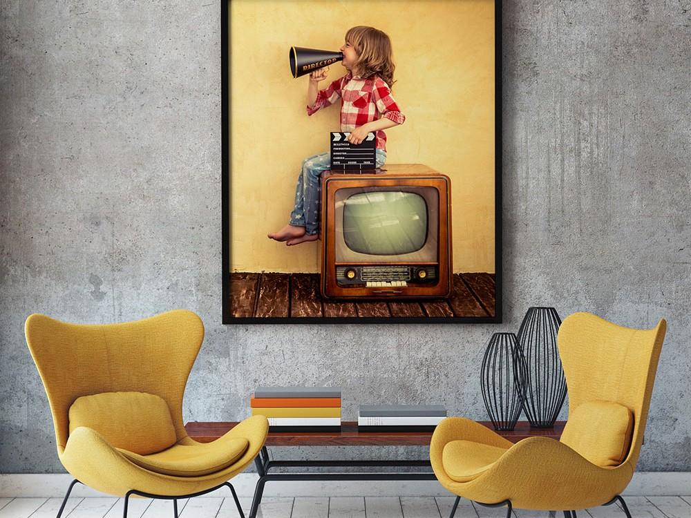 free-livingroom-poster-mockup
